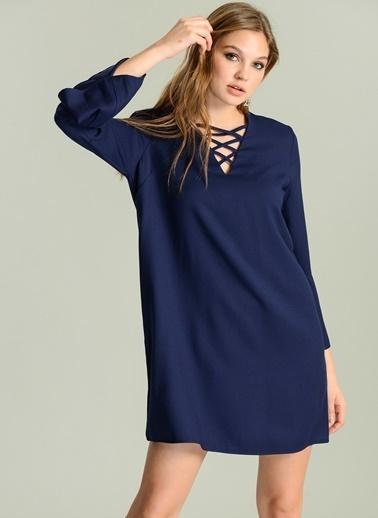 Yakası Bağcık Detaylı Elbise-Agenda